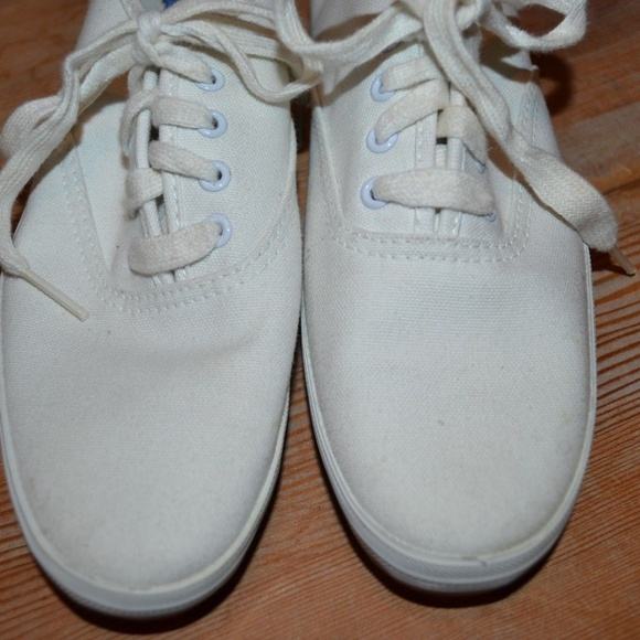 58443a3fe6f NWT Vintage Keds White Canvas Shoes 6.5N